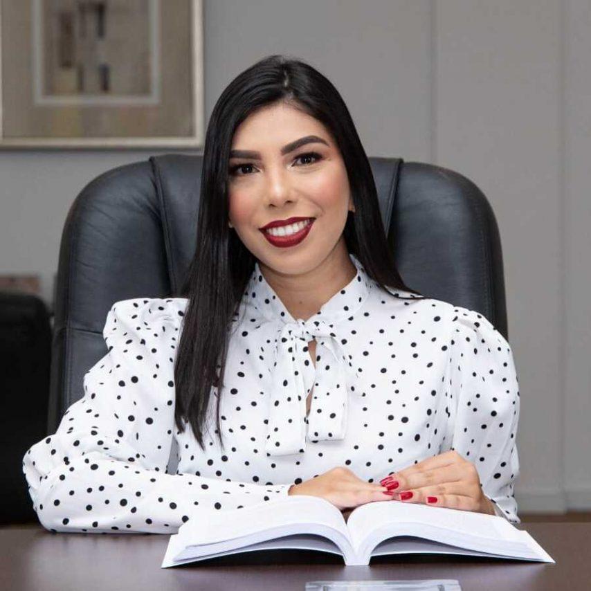 Advogada Juliana Moreira